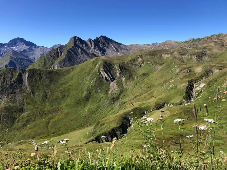 Transalpine Run 2019 - dort irgendwo mäandert der Bergspring lang (c) PlanB