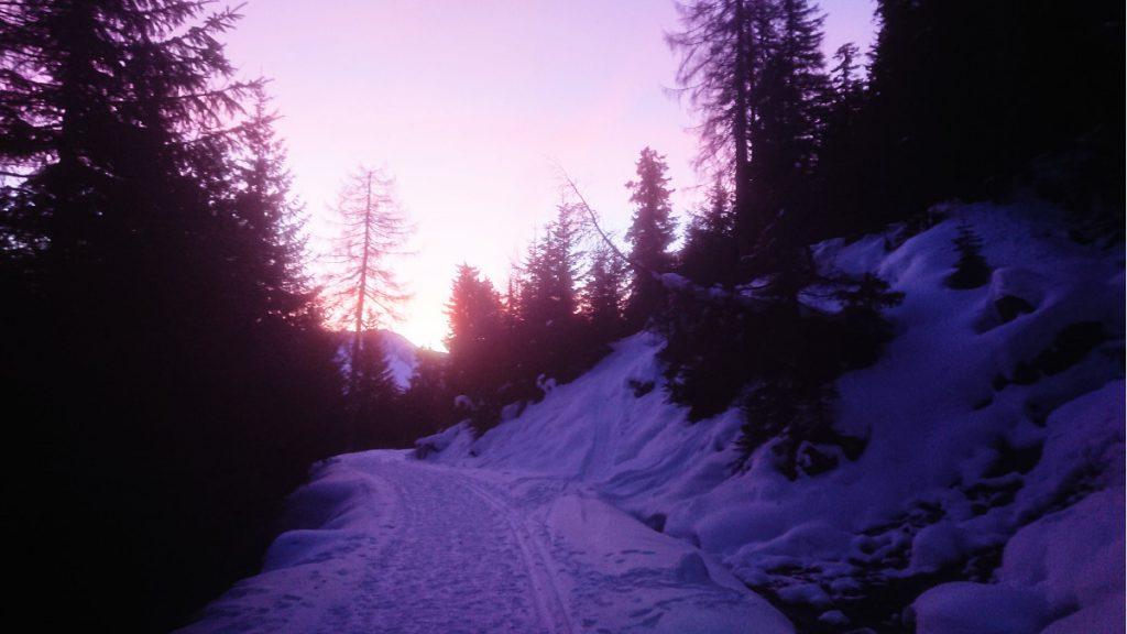 Sonnenaufgang in der Brenner-Gegend - das Läuferherz springt